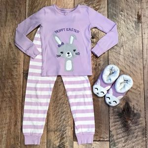 GIRLS EASTER BUNNY PAJAMAS and SLIPPERS Size 5